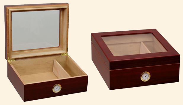 The Chalet Glasstop Humidor...25-40